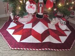 lovely log cabin christmas tree skirt quilt pattern with spiral