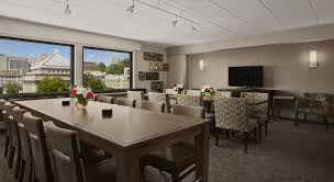 Dining Room Furniture Pittsburgh by Hotels In Oakland Pa Wyndham Pittsburgh University Center