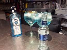 sapphire martini up with olives gintonic bombay sapphire u0026 nordic blue bebidas pinterest
