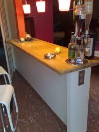 comment fixer un meuble de cuisine au mur fixer plan de travail mur trendy comment fixer un meuble au mur