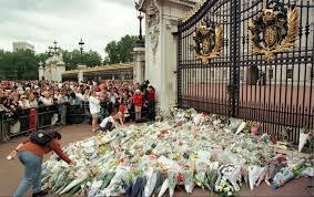 august 31 1997 diana princess of wales dies in a car crash in