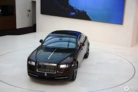 roll royce cambodia bmw demonstruoja rolls royce wraith