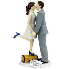 a kiss and we u0027re off cake topper couplesoncakes