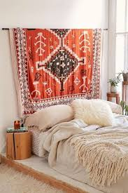 Apartment Decor On A Budget Best 25 Budget Bedroom Ideas On Pinterest Small Apartment