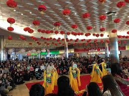 where to celebrate new years in chicago rosemont mall to host new year performances