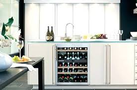 cave a vin encastrable cuisine cave a vin de cuisine bien installer sa cave a vin cave vin