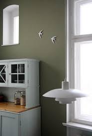 wohnraum wandgestaltung anneliwest berlin küche farrowandball olive no13 kpm vögel