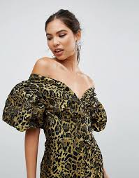 cool dresses 29 nursing friendly dresses that are actually cool a practical