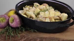 comment cuisiner des navets comment préparer du poulet rôti aux navets avec le thym citron