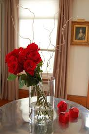 How To Take Care Of Flowers In A Vase How To Arrange 1 Dozen Roses The Art Of Doing Stuffthe Art Of