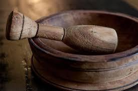 mortier cuisine bois mortier et pilon manger ensemble