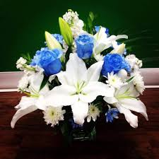 white and blue roses blue roses and white