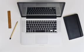 Laptops Desk File Apple Desk Laptop Macbook Pro 23699397893 Jpg Wikimedia