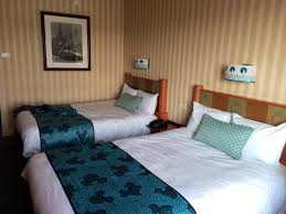 chambre standard hotel york disney chambre plaza picture of disney s hotel york chessy