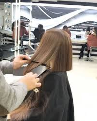 mounir is the lebanese hairstylist who cuts a perfect bob in under