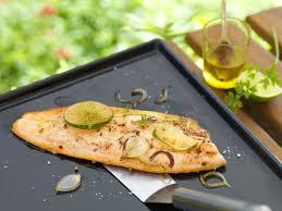 cuisiner de la truite recette filet de truite mariné au citron vert et gingembre à la plancha