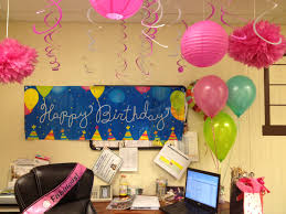 Cute Cubicle Decorating Ideas by 58 Best Birthday Cubicle Decorations Images On Pinterest