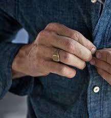 signet ring men tips for shopping men s signet rings jewelry