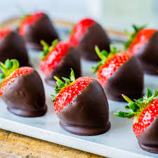 chocolate covered strawberries where to buy how to make chocolate covered strawberries easy blondelish