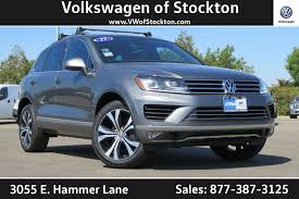 volkswagen touareg 2017 black 2017 volkswagen touareg pricing for sale edmunds
