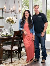 Chip And Joanna Gaines Photos Hgtv U0027s Fixer Upper With Chip And Joanna Gaines Hgtv