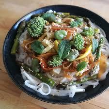 entr cuisine facile recette simple et facile de tagliatelles primavera thaï vegan et
