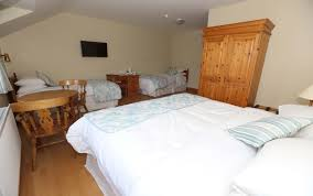 Holiday Inn St Louis Six Flags Lake House Hotel Suites Narin Portnoo Accommodation Donegal