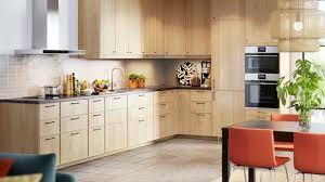modele cuisine amenagee agencement cuisine plan cuisine gratuit pour s inspirer côté