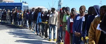 si e social bruxelles migranti l italia si sveglia e avverte l ue pronti a chiudere i