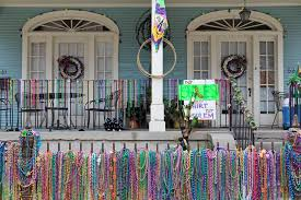 mardi gras floats for sale the 15 essential dos and don ts of mardi gras in new orleans