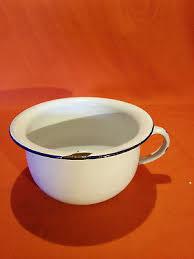 pot de chambre ancien ancien pot de chambre en tole emaillee jules tinette vase de nuit f