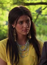 gossip girl earrings gossip girl gold earrings necklace yellow dress rufus and