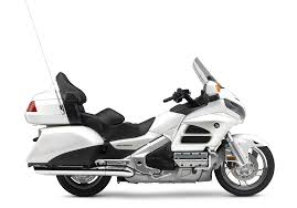2017 honda gold wing review