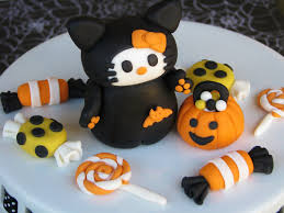 halloween fondant cakes tricks treats and a ghostlytutorial lynlees