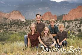 photographers in colorado springs the pavey family family photography at garden of the gods