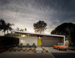 enjoy the bold curves of this eichler inspired california home
