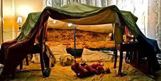 comment faire une cabane dans sa chambre fabriquer une cabane avec des couvertures