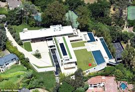 Bel Air Mansion Beyonce And Jay Z Put 120m Bid On Bel Air Mansion Daily Mail Online