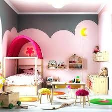 chambre jouet lit pour enfant de 3 ans rangement jouet fille gallery of chambre