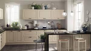 küche cremefarben arctar dunkel küche arbeitsplatte