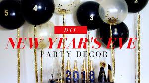 new years backdrop balloon backdrop diy new year s party decor