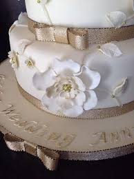 golden wedding cakes the 25 best 50th wedding anniversary cakes ideas on