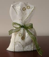 wedding gift bags ideas small cellophane gift bags lots of ideas