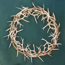 antler wreath made from brown and white mule deer antler picture