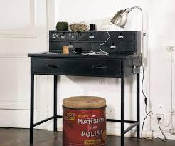 petit bureau noir des petits bureaux pour un coin studieux joli place