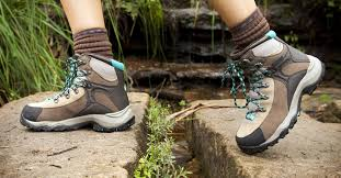 womens boots best best hiking boots for 2017 waterproof and lightweight