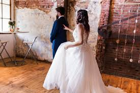 real weddings an industrial chic wedding at the maas building in