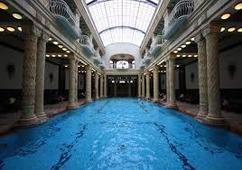 bagno termale e piscina széchenyi terme a budapest guida ai migliori bagni termali in città momondo