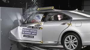 lexus sedan small iihs 2012 lexus es 350 small overlap crash test poor
