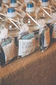 unique wedding favors 5 wedding favors your guests will actually want unique wedding